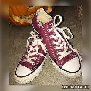 EUC Converse All Star Burgundy Shoes Size 8